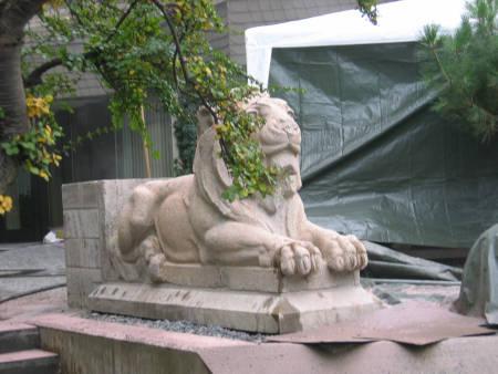 Steinfigur im Niederdruckstrahlverfahren gereinigt - Ergebnis
